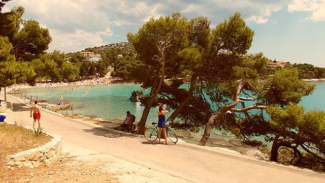 Plaża Slanica, wyspa Murter Autor zdjęcia: ANDREJ NEUHERZ Źródło: https://www.panoramio.com/photo/95107141