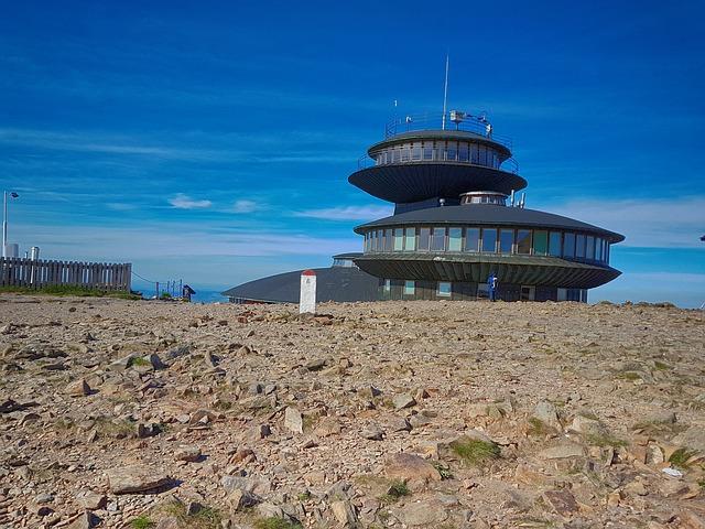 Obserwatorium na Śnieżce Autor zdjęcia: przemokrzak Źródło: Pixabay