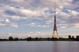 Wieża Radiowo - Telewizyjna w Rydze Autor zdjęcia: Riclib - Praca własna, CC BY-SA 3.0, https://commons.wikimedia.org/w/index.php?curid=21192505