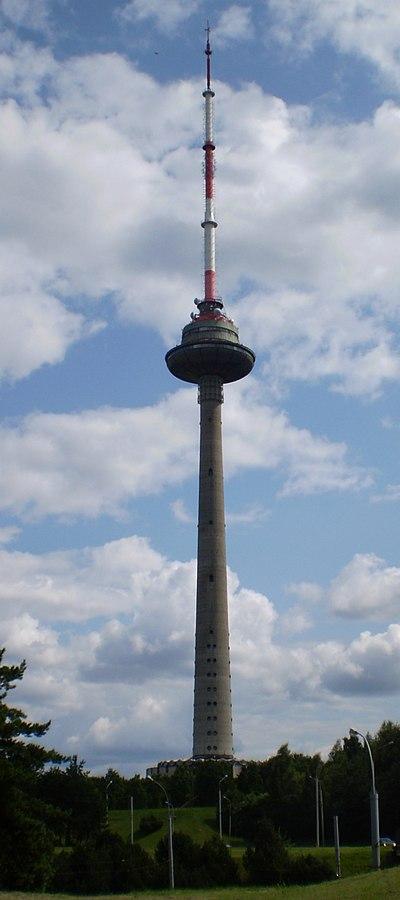 Wieża telewizyjna w Wilnie Autor zdjęcia: Kulmalukko - Praca własna, CC BY-SA 3.0, https://commons.wikimedia.org/w/index.php?curid=8434939