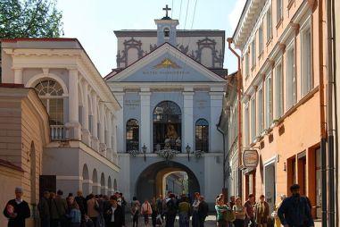 Ostra Brama w Wilnie Autor zdjęcia: Marcin Białek - Praca własna, CC BY-SA 3.0, https://commons.wikimedia.org/w/index.php?curid=4071130